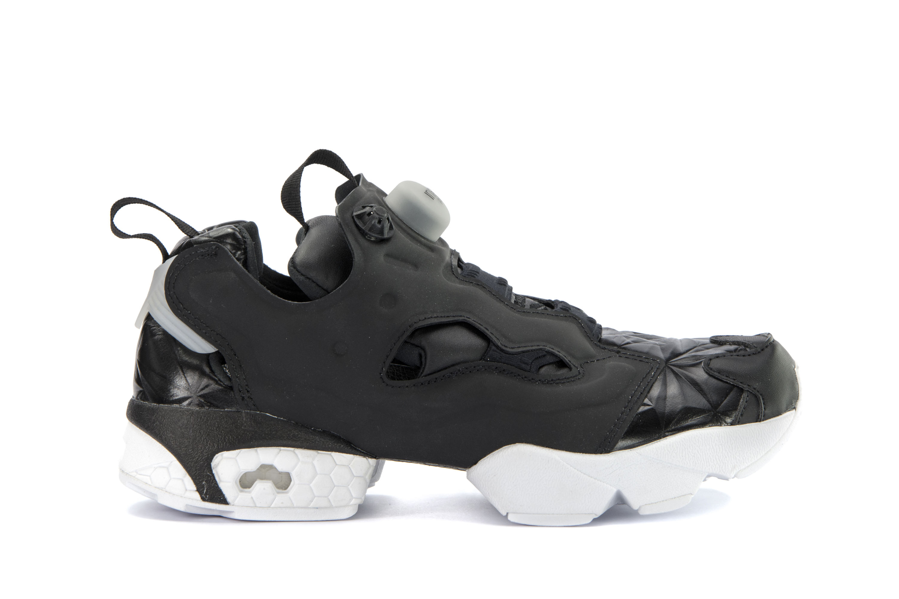 0b9492f0767 REEBOK Womens Shoes Low Sneakers INSTAPUMP FURY HYPE MET Black ...